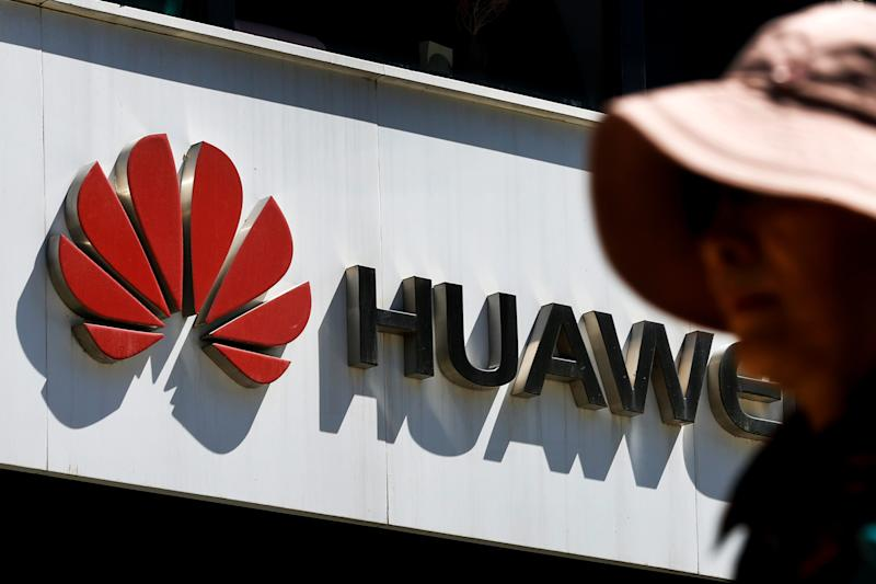 New Huawei phones won't have Facebook, WhatsApp or Instagram pre-installed, report says