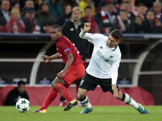 "Spartak's Fernando, left, challenges for the ball with <a class=""link rapid-noclick-resp"" href=""/soccer/teams/liverpool/"" data-ylk=""slk:Liverpool"">Liverpool</a>'s <a class=""link rapid-noclick-resp"" href=""/soccer/players/roberto-firmino/"" data-ylk=""slk:Roberto Firmino"">Roberto Firmino</a> during the Champions League soccer match between Spartak Moscow and Liverpool in Moscow, Russia, Tuesday, Sept. 26, 2017. (AP Photo/Ivan Sekretarev)"