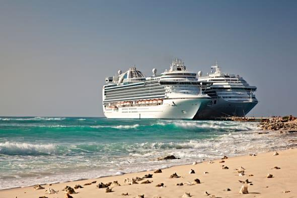 BXXRPK Cruise Ships in Grand Turk Islands
