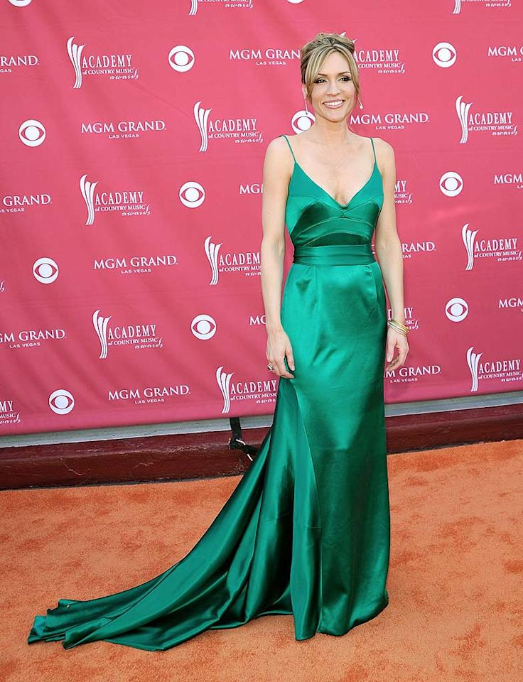 """Jennifer Hanson's green gown was a snooze-worthy safe bet. Charley Gallay/<a href=""""http://www.gettyimages.com/"""" target=""""new"""">GettyImages.com</a> - May 18, 2008"""