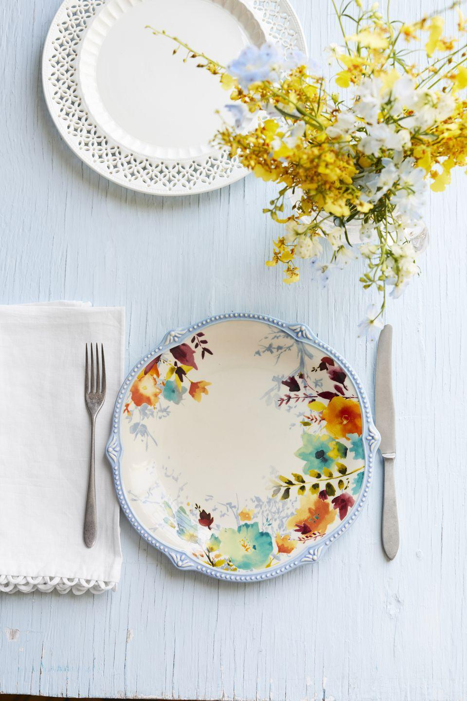"""<p>""""Always set a pretty table. It will even make your mistakes taste better.""""</p><p>— <a href=""""https://www.instagram.com/lovemy2westys/"""" rel=""""nofollow noopener"""" target=""""_blank"""" data-ylk=""""slk:@lovemy2westys"""" class=""""link rapid-noclick-resp"""">@lovemy2westys</a></p>"""