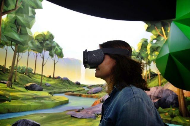 Google brings virtual reality to updated Chrome mobile browser