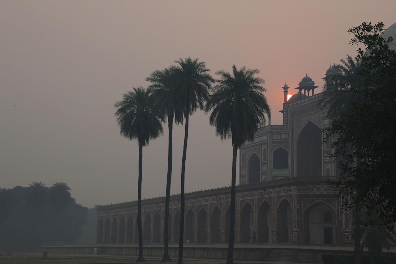 <p>A view of Humayun's Tomb amid heavy smog in New Delhi on November 8, 2018, a day after the Diwali festival. – Air pollution in New Delhi hit hazardous levels on November 8 after a night of free-for-all Diwali fireworks, despite Supreme Court efforts to curb partying that fuels the Indian capital's toxic smog problem. (Photo by DOMINIQUE FAGET/AFP/Getty Images) </p>