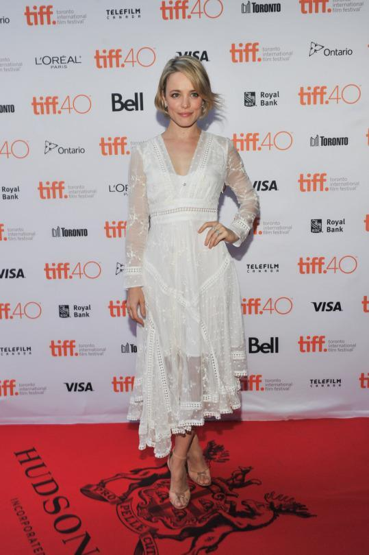 <p>Rachel McAdams basically wore a fancy white lingerie on the red carpet at TIFF — but that's not a bad thing!</p>