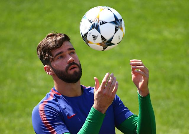 Soccer Football - Champions League - AS Roma Training - Trigoria Training Ground, Rome, Italy - April 23, 2018 Roma's Alisson Becker during training REUTERS/Tony Gentile