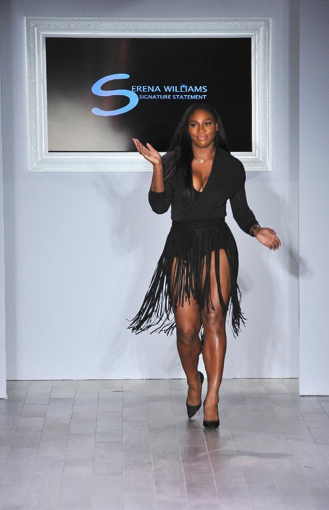 Serena Williams takes a bow following the Serena Williams Signature Statement by HSN fashion show on September 15, 2016 in New York (AFP Photo/Fernando Leon)