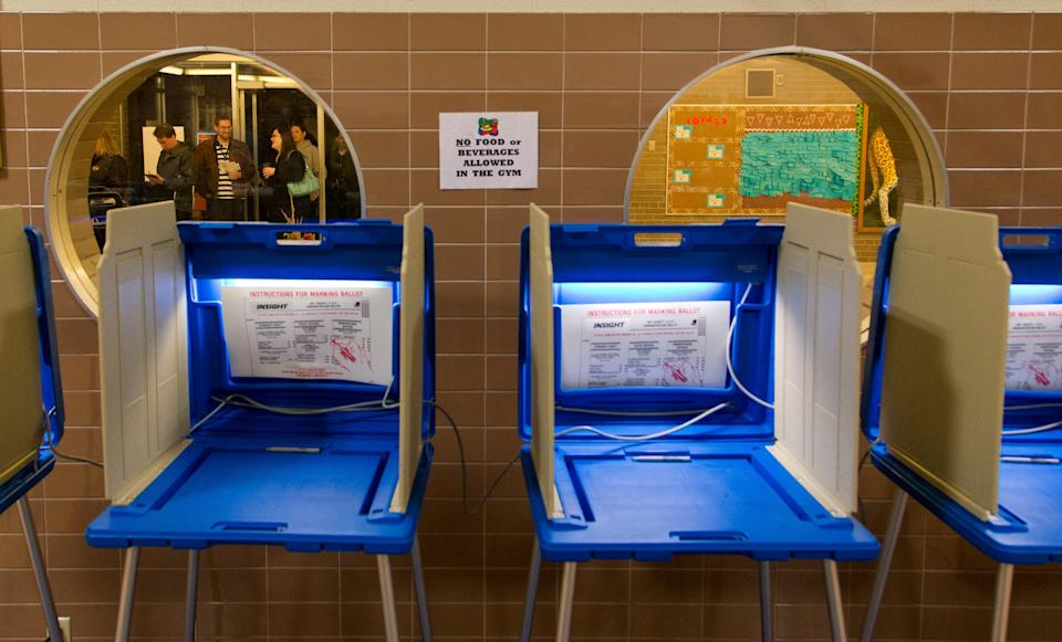 A judged ordered hundreds of thousands of people to be purged from Wisconsin's voter rolls. (Photo: Darren Hauck via Getty Images)