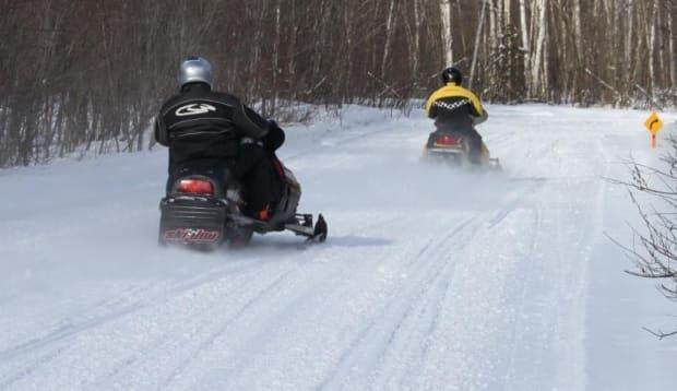 Some people are calling for changes to the Ottawa Valley Recreation Trail, which both snowmobiles and pedestrians are allowed to use. (Madawaska Snowmobile Club - image credit)