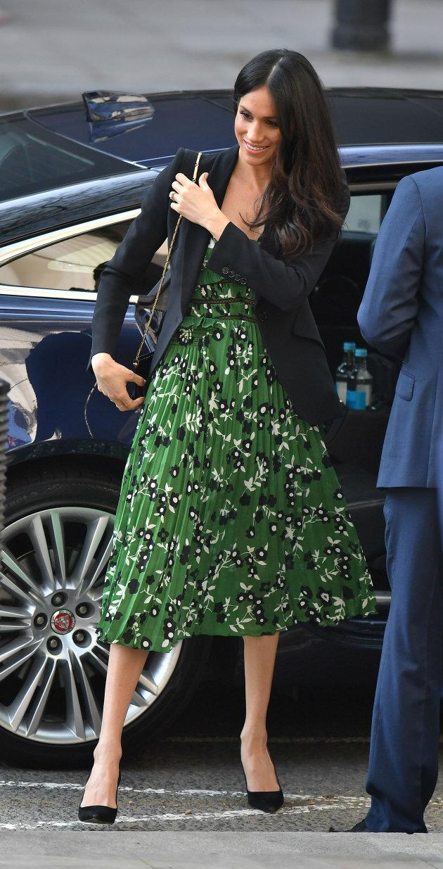 Meghan Markle, sans tights.