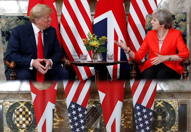 <p>President Donald Trump and British Prime Minister Theresa May meet at Chequers in Buckinghamshire, Britain, July 13, 2018. (Photo: Kevin Lamarque/Reuters) </p>