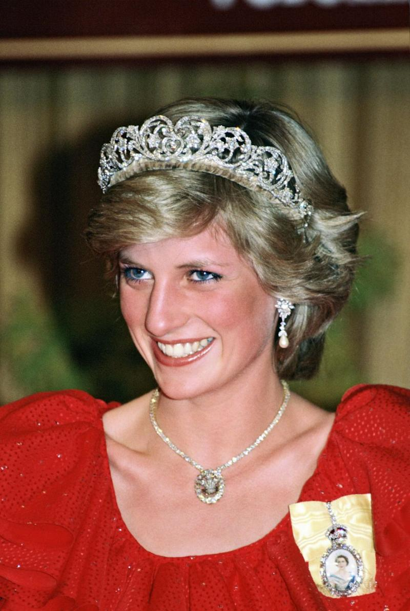 Princess Diana was known to style the brooch as a necklace, by removing the emerald pendant. Photo: Getty Images