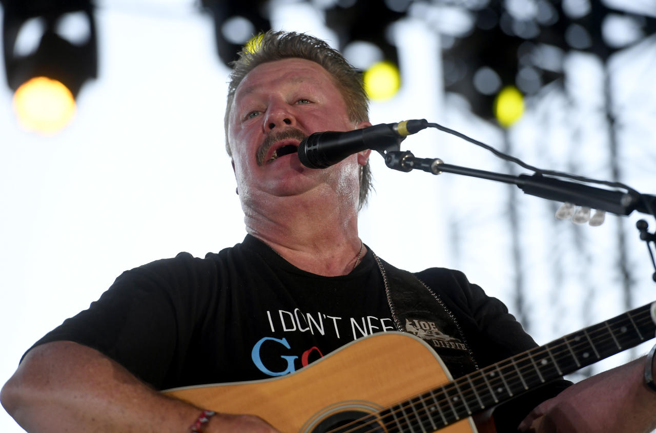 Il 30 marzo Joe Diffie, amatissimo cantante country, vincitore di un Grammy Award, è scomparso all'età di 61 anni per complicanze da coronavirus. (Photo by Frazer Harrison/Getty Images for Stagecoach)