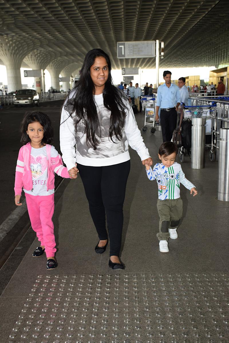Arpita Khan was spotted at Mumbai airport on December 28, 2017. (Image: Yogen Shah)