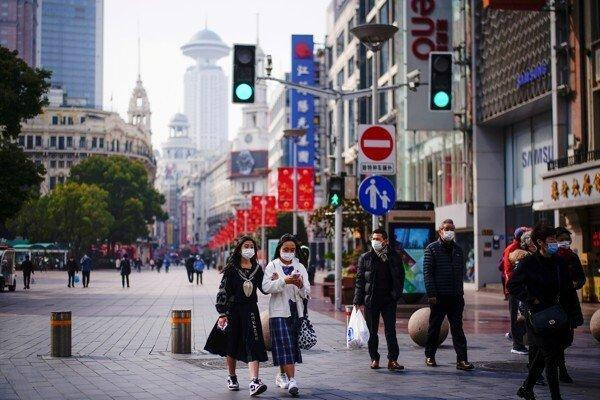 The populations of large Chinese cities such as Shanghai were among those made a priority for vaccination. Photo: Reuters