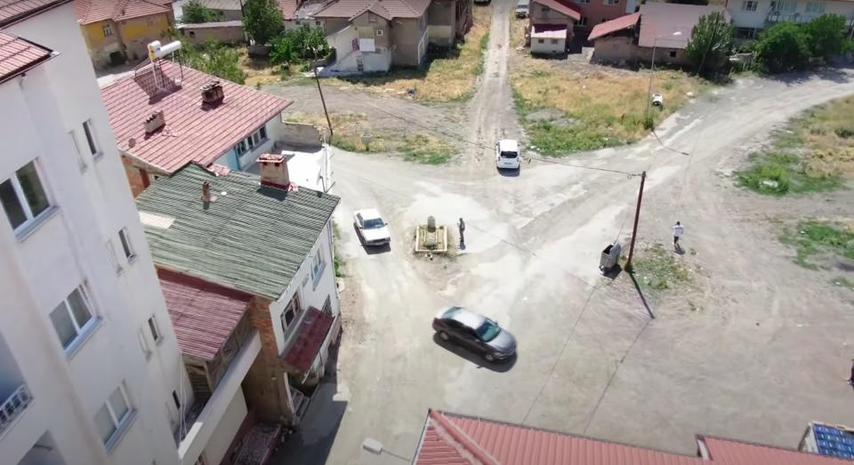 The grave has been left in the middle of a crossroads. Source: Newsflash