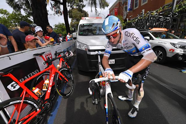 Elia Viviani is banged up but ready to go for stage 4