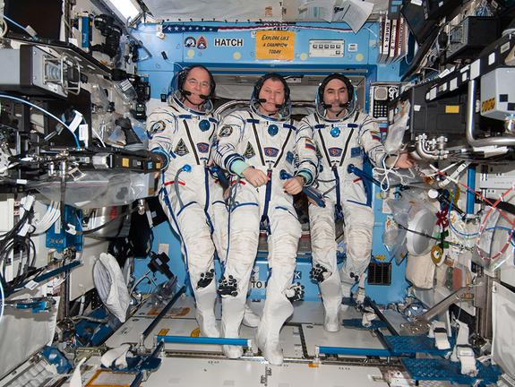 Space Station Astronauts Returning to Earth Tonight: How to Watch Online