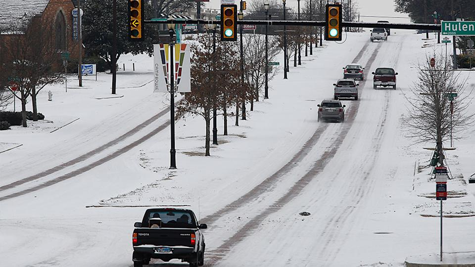 Drivers were still dealing with treacherous conditions on streets for the fourth day after unusual weather hit the area, in Fort Worth, Texas on February 17. Source: AP