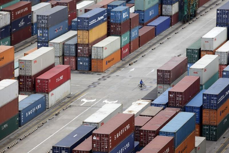 U.S. imposes new restrictions on exports to China