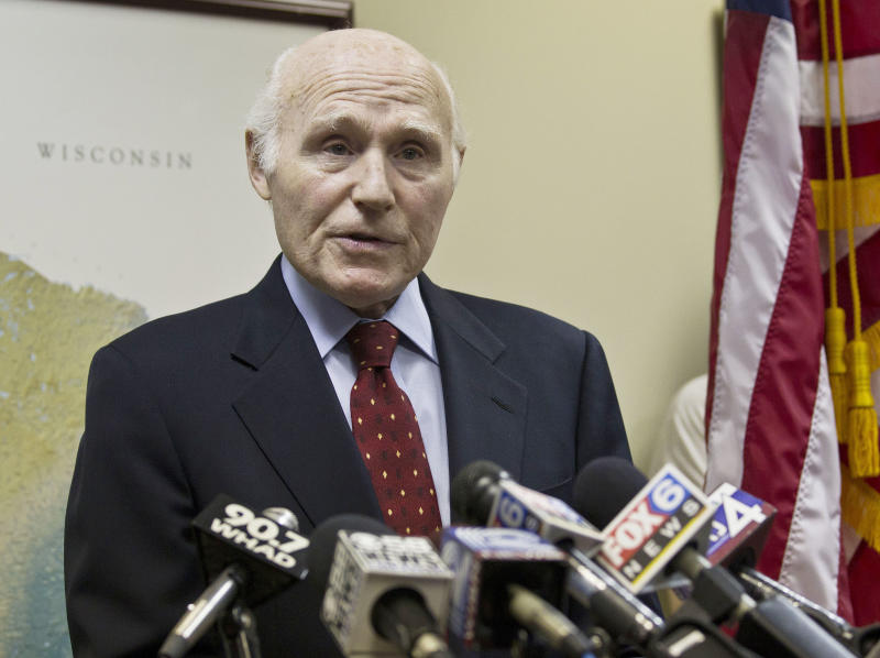 U.S. Sen. Herb Kohl (D-Wis.) speaks at a news conference Friday, May 13, 2011, in Milwaukee. Kohl said he has decided not to run for re-election after serving in the U.S. Senate since 1989. (AP Photo/Morry Gash)