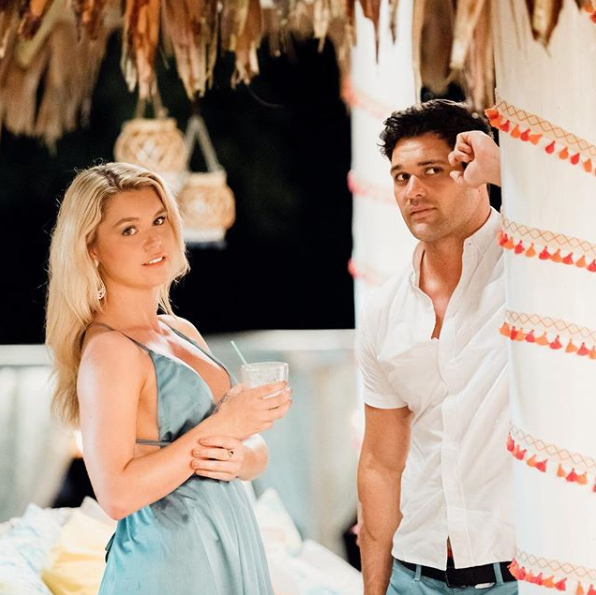 Simone and Apollo have split, despite leaving the show together last night hand-in-hand. Source: Ten