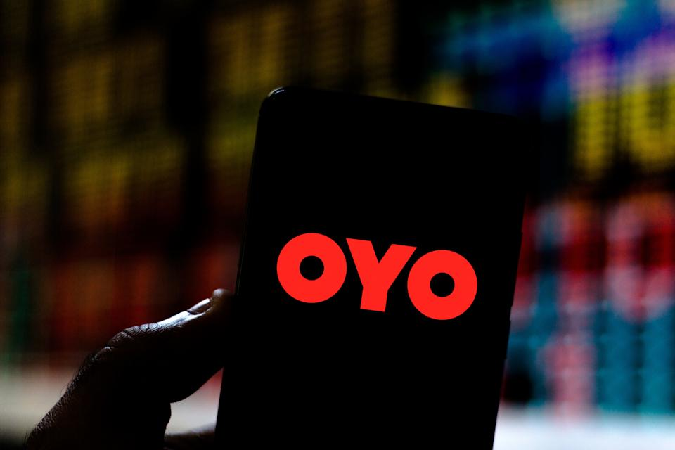 BRAZIL - 2019/07/22: In this photo illustration an OYO Rooms logo seen displayed on a smartphone. (Photo Illustration by Rafael Henrique/SOPA Images/LightRocket via Getty Images)