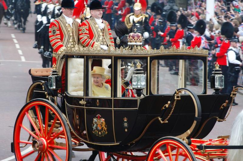 Queen Elizabeth and Prince Philip arrive at Prince William and Kate Middleton's 2011 wedding