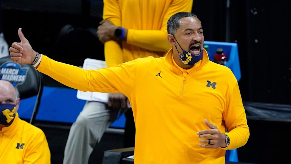Michigan coach Juwan Howard directs his team during the first half of an Elite Eight game vs. UCLA in the NCAA tournament on Tuesday, March 30, 2021, in Indianapolis.