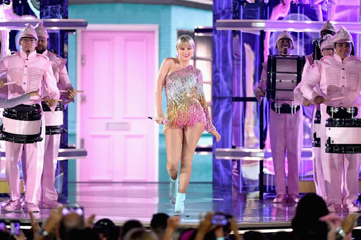 A scene from Taylor's BBMAs performance.