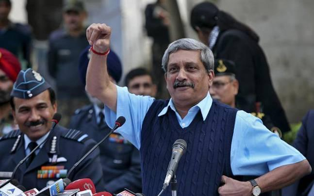 Goa: Parrikar to take oath as CM tomorrow, Congress accuses BJP of buying support
