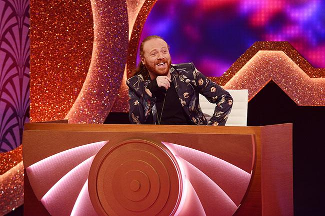 keith-lemon-through-keyhole