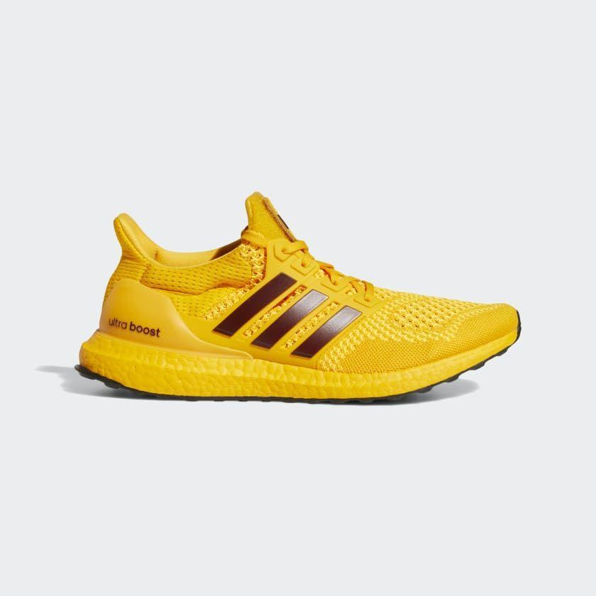 "<p><strong>adidas</strong></p><p>adidas.com</p><p><a href=""https://go.redirectingat.com?id=74968X1596630&url=https%3A%2F%2Fwww.adidas.com%2Fus%2Fsun-devils-ultraboost-1.0-dna-shoes%2FFY5809.html&sref=https%3A%2F%2Fwww.menshealth.com%2Fstyle%2Fg35968782%2Fadidas-last-chance-sale%2F"" rel=""nofollow noopener"" target=""_blank"" data-ylk=""slk:BUY IT HERE"" class=""link rapid-noclick-resp"">BUY IT HERE</a></p><p><strong><del>$180 </del>$126 (30% off)</strong></p><p>Have a need for speed? These sneakers will make you want to go the extra mile, thanks to their knit construction, sock-like fit, and Boost cushioning. </p>"