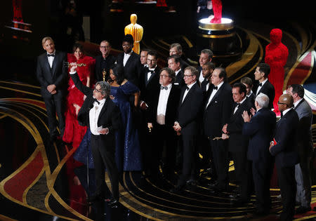 """91st Academy Awards – Oscars Show – Hollywood, Los Angeles, California, U.S., February 24, 2019. Peter Farrelly accepts the Best Picture award for """"Green Book."""" REUTERS/Mike Blake"""