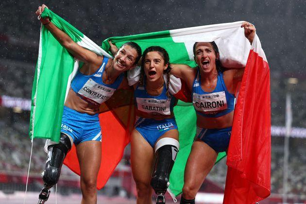 Tokyo 2020 Paralympic Games - Athletics - Women's 100m - T63 Final - Olympic Stadium, Tokyo, Japan - September 4, 2021. Ambra Sabatini of Italy rcelebrates after winning gold and setting a new World Record, Martina Caironi of Italy celebrates after winning silver, and Monica Graziana Contrafatto of Italy celebrates after winning bronze REUTERS/Marko Djurica (Photo: MARKO DJURICA via REUTERS)