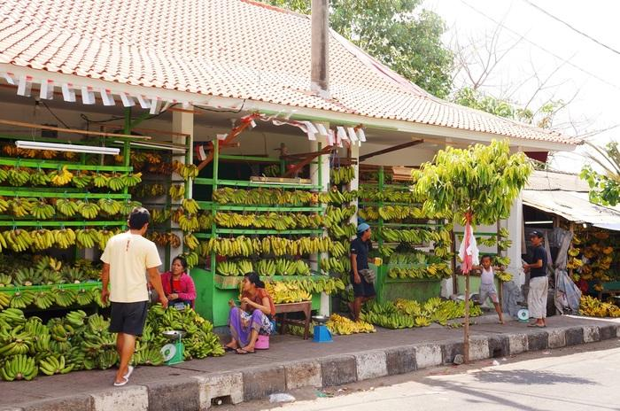 They're everywhere: Weeks before the Galungan celebration, the market will be full of kiosks selling bananas. (