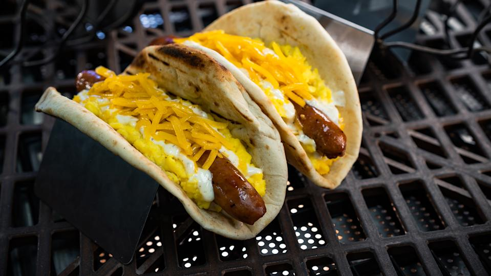 Ronto Roasters serves up this Ronto Morning Wrap, which has scrambled eggs, grilled pork sausage, shredded cheese and peppercorn sauce wrapped in pita bread. (Photo: David Nguyen/Disney Parks)
