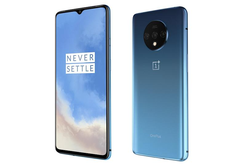 The new 7T features a circular design on the back to house the camera lenses (OnePlus)