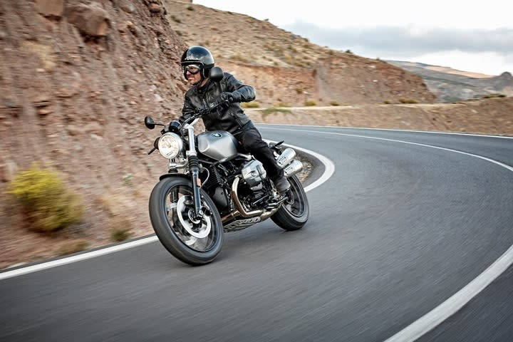 BMW R nine T Scrambler 1