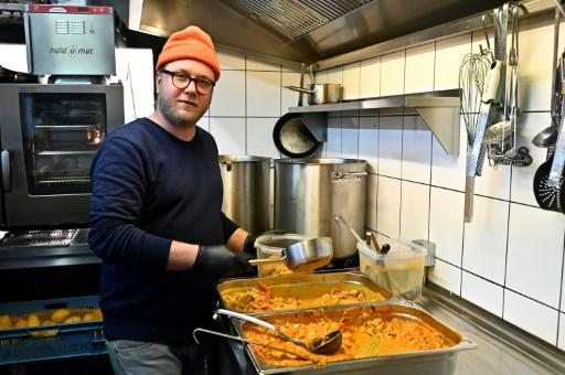 German chef Maximilian Strohe said they wanted to cook for people on duty 24 hours a day