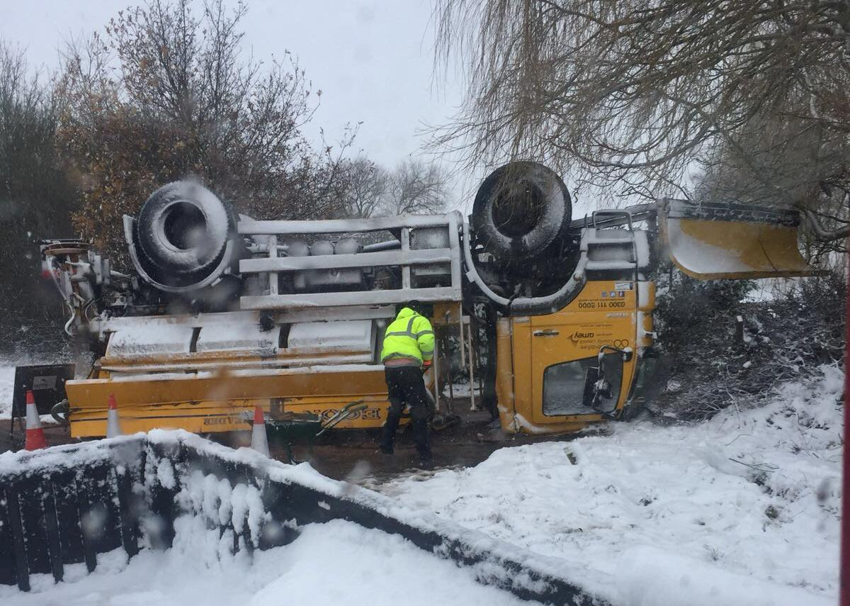 <p>Up to four inches of snow fell across much of England on Saturday night while forecasters warned that double that could be seen in higher areas in Scotland and the Peak District. (SWNS) </p>