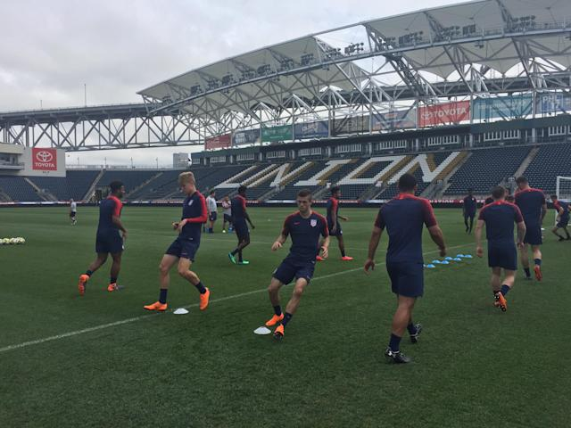 Christian Pulisic warms up with the U.S. national team on Sunday at Talen Energy Stadium in Chester, Pa. (Photo: Henry Bushnell/Yahoo Sports)