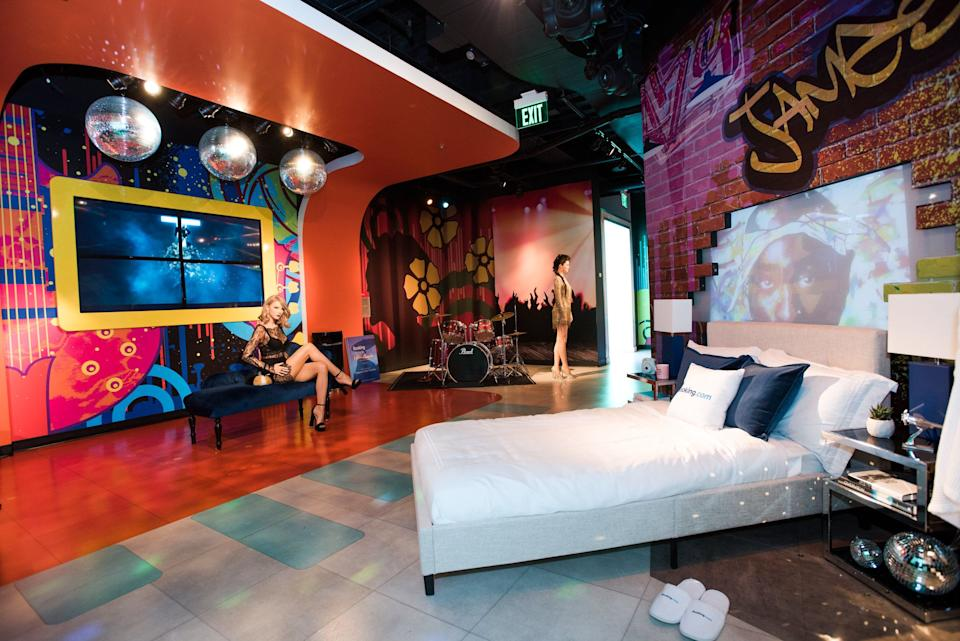 Sleep with Taylor Swift at Madame Tussauds San Francisco. (Booking.com)