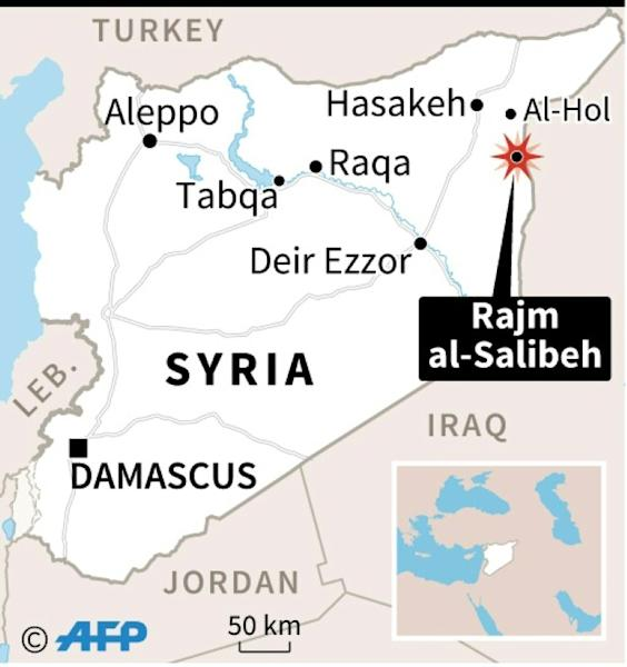 Map of Syria locating an IS attack on a refugee camp in Rajm al-Salibeh. Also locates Tabqa
