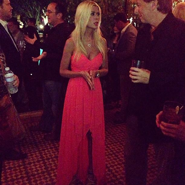 Tara Reid has arrived and is looking HOT! #sharknado