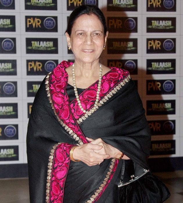 Aamir's mother at the premiere of his latest flick 'Talaash'