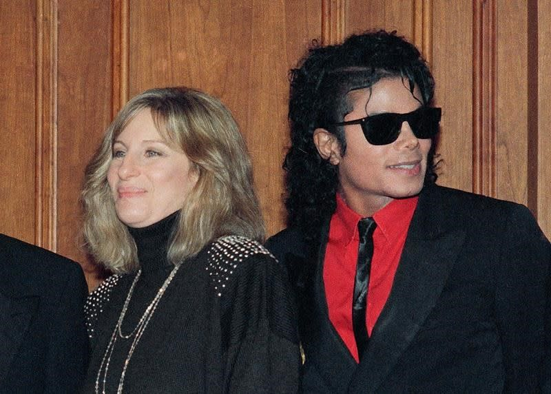 Michael Jackson: Barbra Streisand apologises over offensive comments