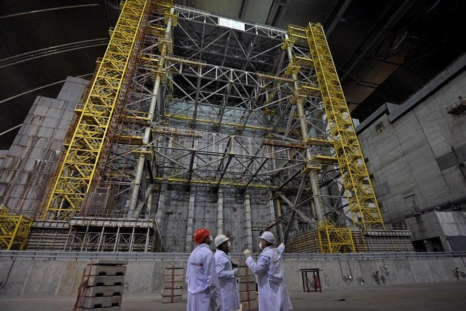 The safe confinement zone at the covering reactor 4 at the Chernobyl nuclear site (SSE Chernobyl NPP/PA)