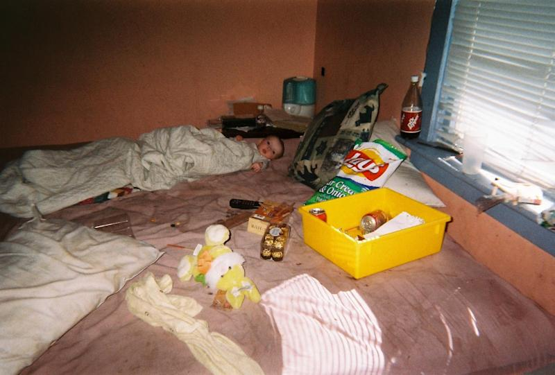 A US teen named Brynlee as a baby on her mother's bed while needles of heroin sat on the window sill.