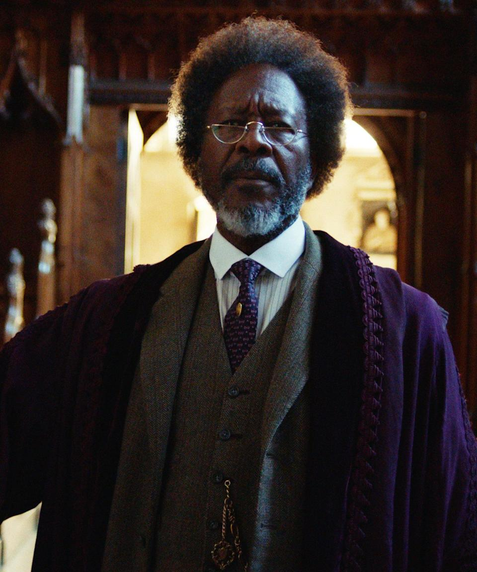 """<strong><h2>Clarke Peters Plays The Master / Dr. Carne<br></h2>Who Is The Master?<br></strong>The Master of Jordan College, where Lyra lived and Lord Asriel went to college. Dr. Cane is not a huge fan of Lord Asriel or Mrs. Coulter but helps Lyra out. His dæmon is an old female raven. <br> <br> <strong>Where You've Seen Peters<br></strong>Peters is no stranger to the small screen, having appeared in <em>The Deuce</em>, <em> Jessica Jones</em>, <em>True Detective</em>, <em>Person of Interest</em>, and <em>The Wire</em> where he played Det. Lester Freamon. As for movies, he recently appeared in <em>Three Billboards Outside Ebbing, Missouri </em>and <em>Harriet</em>. <span class=""""copyright"""">Photo: Courtesy of HBO.</span>"""