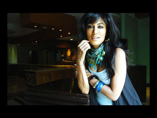 <b>7. Chitrangada Singh</b><br> The dusky and sexy beauty Chitrangada Singh flaunts her sexy curves and sets the screen on fire with her fuller figure.